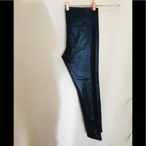H&M - Woman's Black Shiny Pants -12